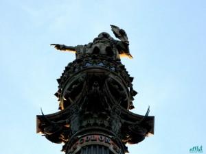 la statua di cristoforo colombo a barcellona
