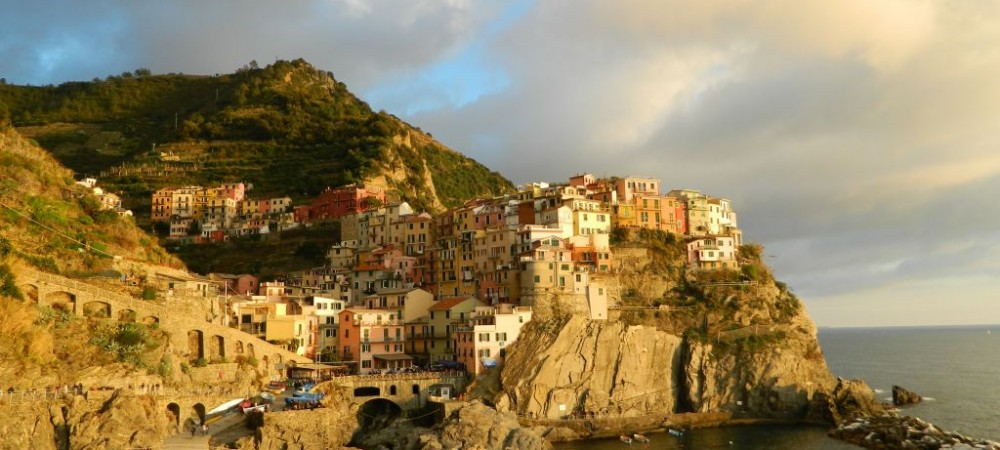 "HOW TO VISIT THE "" CINQUE TERRE "": PRACTICAL SUGGESTIONS"