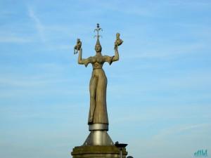 Imperia, statua di Costanza
