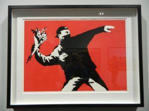 la street art di banksy arriva al mudec