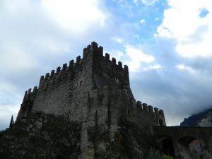canale di tenno-il castello di tenno