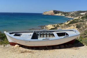 vacanze a milos: come raggiungere l'isola
