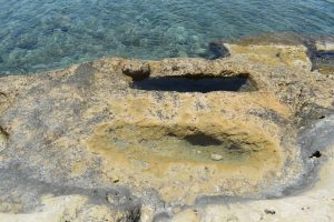 le tombe micenee di Ellinika a Kimolos