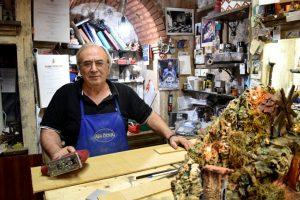 artigiani all'opera a san gregorio armeno