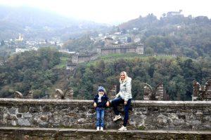 Castegrande, Castello di Montebello e Sasso Corbaro
