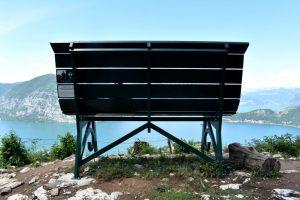 Le panchine giganti sul Lago d'Iseo