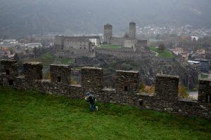 la cinta muraria del castello di montebello