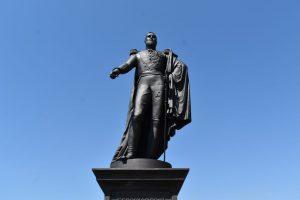 statua in ghisa di re ferdinando II