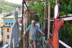 Intervista a Mario Andreoli, papà del presepe di Manarola