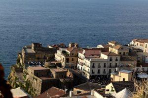 pizzo calabro vista dall'alto con la famosa piazza
