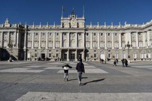 palazzo reale di madrid con i bambini