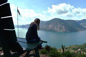 le panchine giganti sopra il lago d'iseo-panchina verde di sulzano