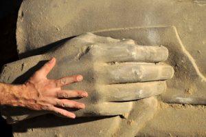 i resti della statua di Aurelio Padovani nella Galleria Borbonica