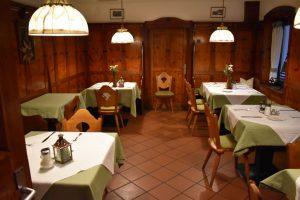 ristorante interno al gasthof badl in tirolo